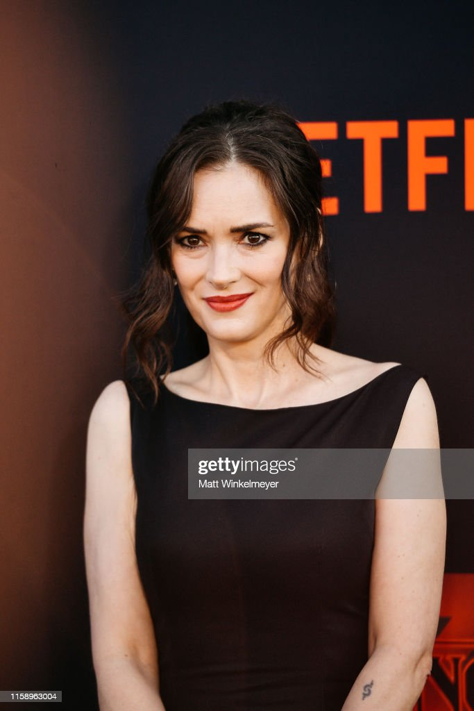 "Premiere Of Netflix's ""Stranger Things"" Season 3 - Arrivals : Fotografía de noticias"