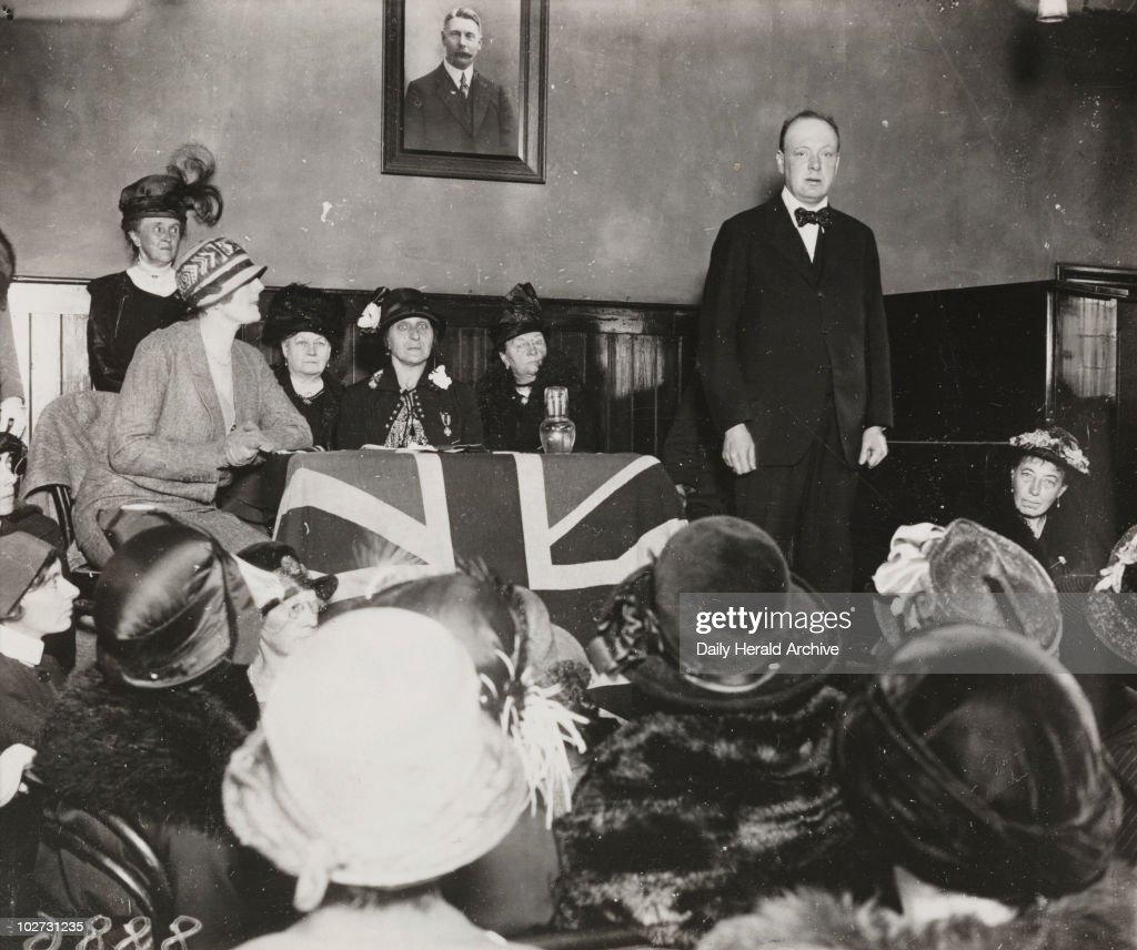Winston Churchill makes a speech, Wanstead, 10 October 1924. : News Photo