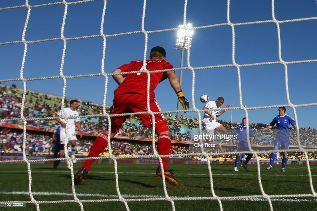New Zealand v Slovakia: Group F - 2010 FIFA World Cup : News Photo