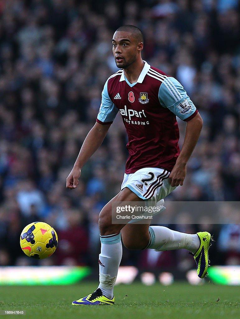 West Ham United v Aston Villa - Barclays Premier League : News Photo