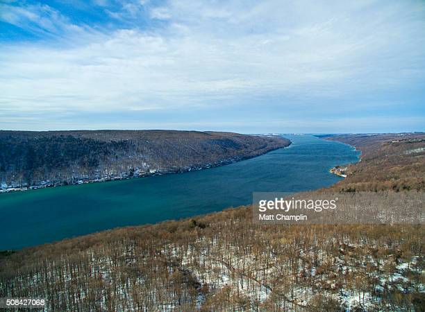winter aerial of skaneateles lake - スカネアトレス湖 ストックフォトと画像