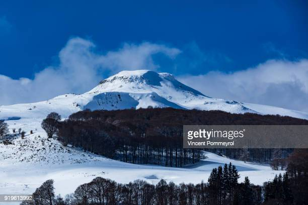 winter and landscape - auvergne stock pictures, royalty-free photos & images