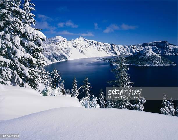 Invierno en parque nacional Crater Lake