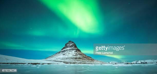winter aurora kirkjufell mountain
