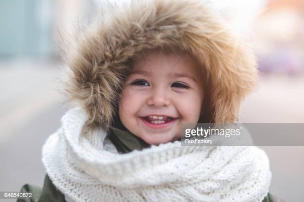 かわいい歯を見せて笑顔で冬美
