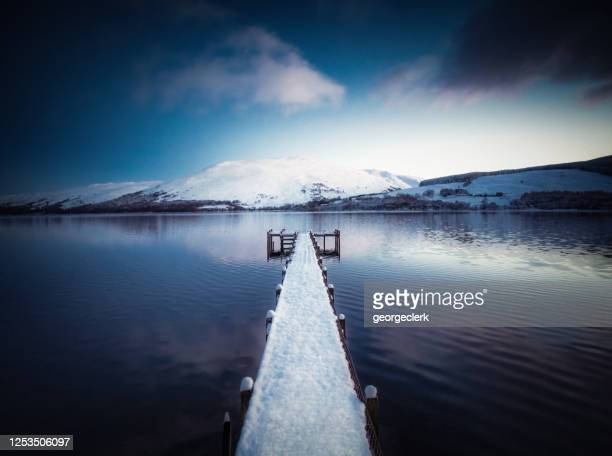 winter dusk tranquillity - central scotland stock pictures, royalty-free photos & images