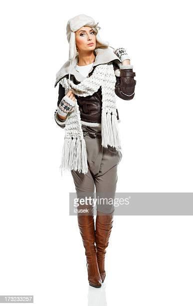 Femme à la mode d'hiver