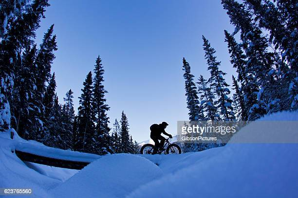 冬の脂肪自転車のアドベンチャー