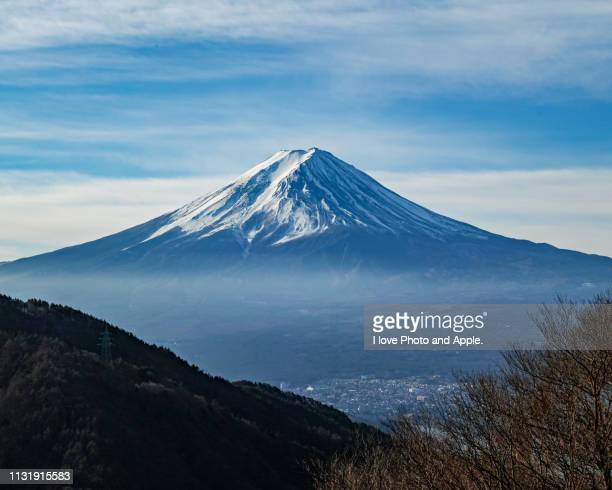 winter fuji scenery - 湖 stock pictures, royalty-free photos & images
