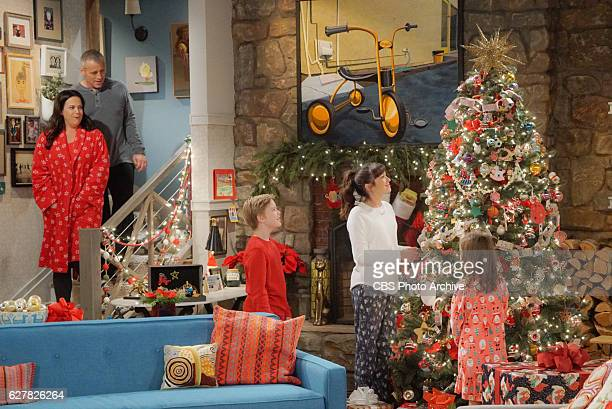 'Winter Has Come' When a blizzard prevents the Burns family from visiting the grandparents' house for Christmas Adam and Andi scramble to avoid an...