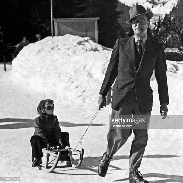 winter holidays in wengen - 1947 stock pictures, royalty-free photos & images