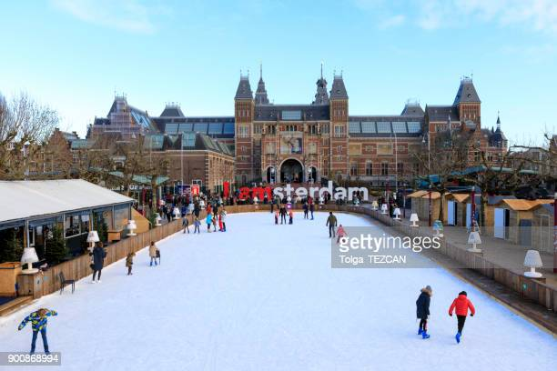 winter in amsterdam at the rijksmuseum - museumplein stock pictures, royalty-free photos & images