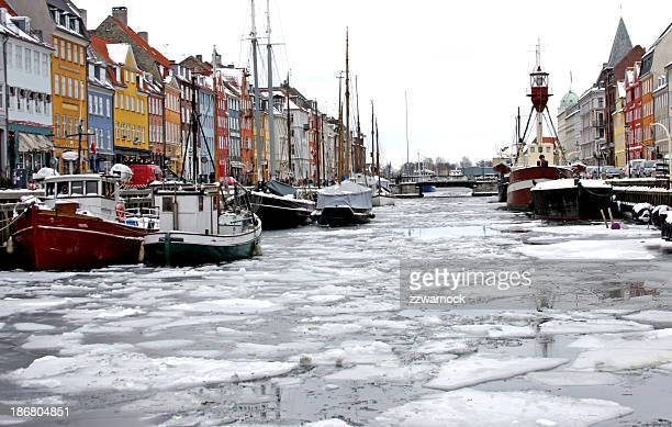 winter in denmark - nyhavn stock pictures, royalty-free photos & images