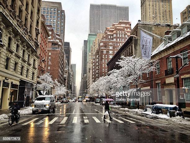 winter in nyc - madison avenue stock pictures, royalty-free photos & images