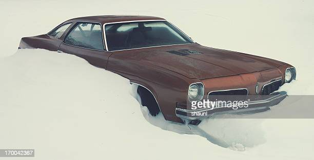 winter inundation - 1970s muscle cars stock pictures, royalty-free photos & images