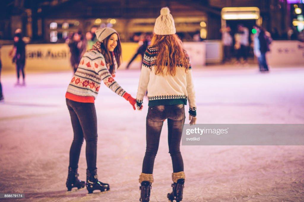 El invierno es para divertirse : Foto de stock