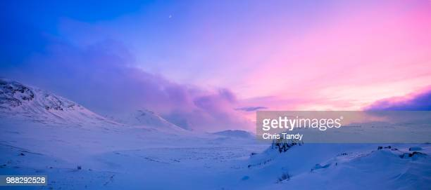 winter landscape at sunset, alesjaure, kiruna, sweden - swedish lapland stock-fotos und bilder
