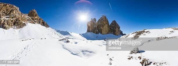冬の風景、ドロミテ、トレチーメディラバレード,イタリア - トレチーメディラバレード ストックフォトと画像