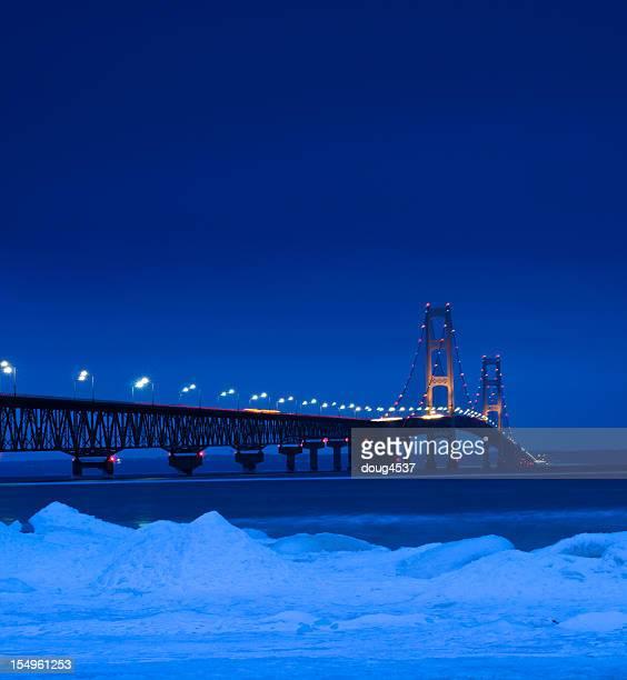 Invierno puente Mackinac