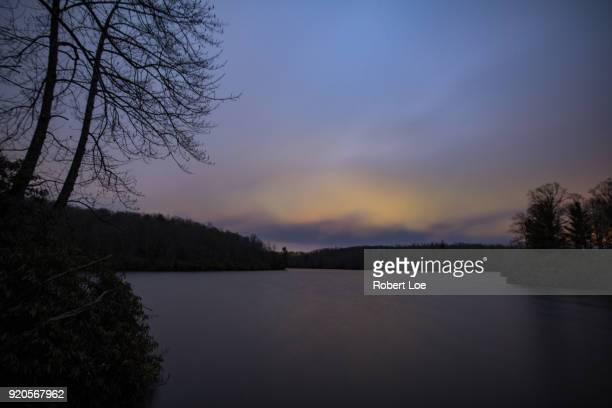 a winter morning at price lake - diablo lake fotografías e imágenes de stock