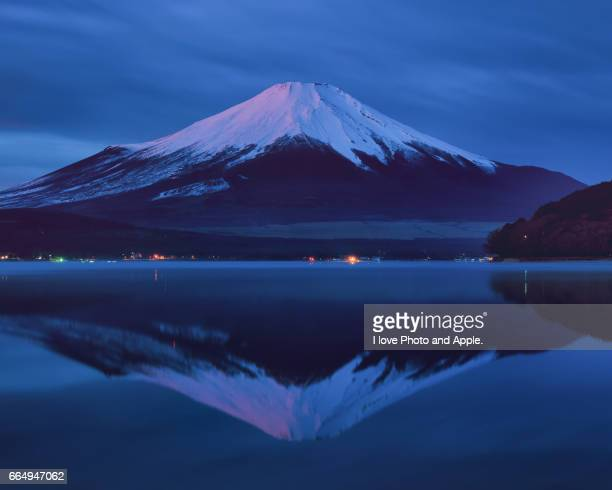 winter morning fuji - 一月 stock pictures, royalty-free photos & images