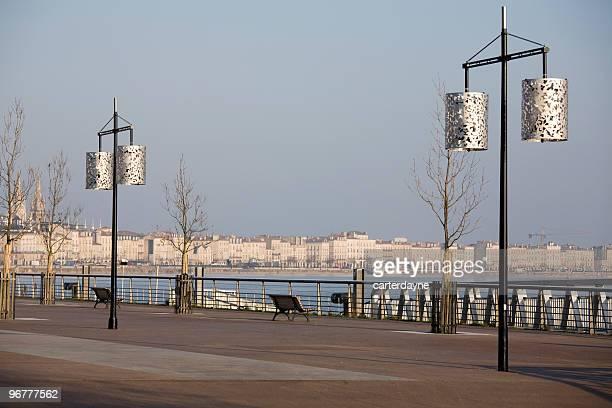 Hiver lever du soleil sur la promenade de Bordeaux