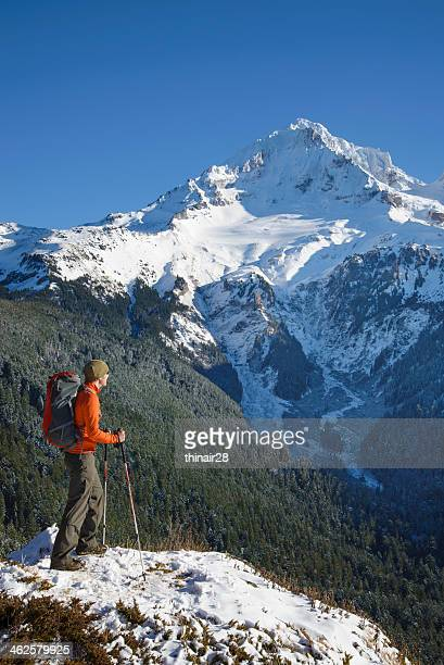 winter mountain hiker - mt hood stock pictures, royalty-free photos & images