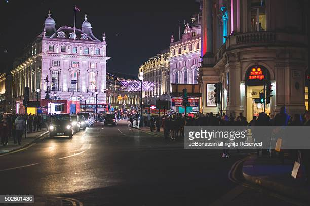 winter nights in london - jcbonassin stock pictures, royalty-free photos & images