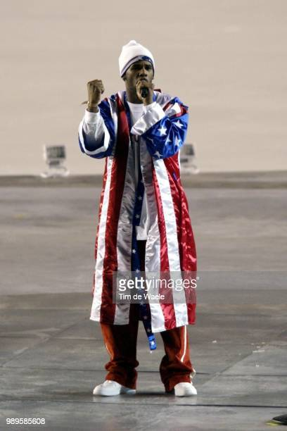 Salt Lake City 02/8/2002 Salt Lake City Utah United States Rb Singer R Kelly Performs During Opening Ceremonies For The 2002 Olympic Winter Games...