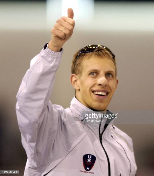 Salt Lake City 2/22/02 Kearns Utah United States Usa'S Jason Hedstrand Gives A Thumbs Up After Breaking His Own American Record In The Men'S...