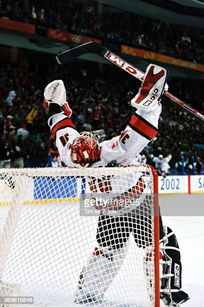 Salt Lake City 2/24/02 West Valley City Utah United States Canada Men'S Hockey Goalie Martin Brodeur Celebrates As Time Expires In Canada'S 52...