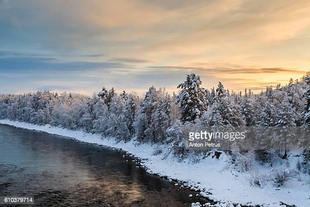 winter river at sunset - シベリア ストックフォトと画像