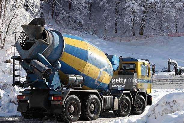 Winter-Straßenbauarbeiten