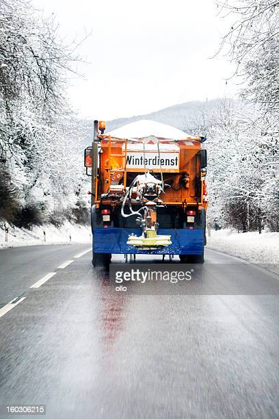 winter service - snow plow truck - road salt stock pictures, royalty-free photos & images