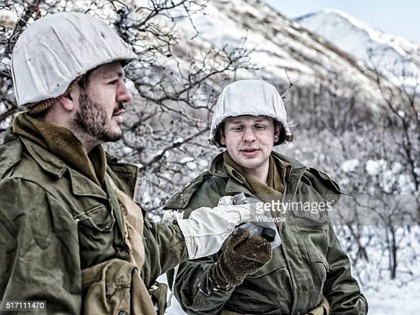 Winter Snow zweiten Weltkrieg US-Armee Soldaten im Wasser Kantine