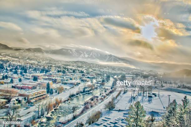 winter town, usa - steamboat springs colorado - fotografias e filmes do acervo