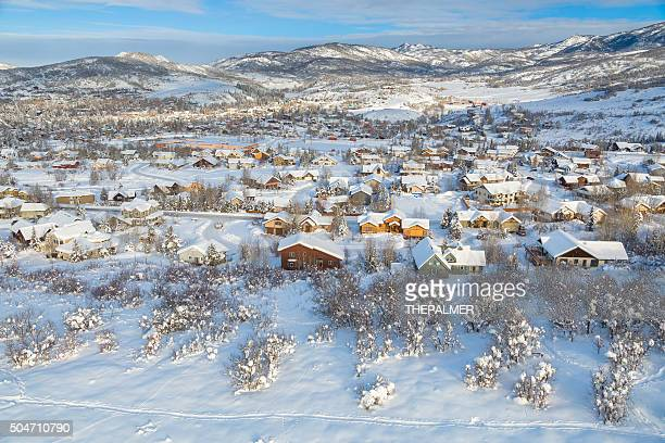 vila de inverno no colorado - steamboat springs colorado - fotografias e filmes do acervo