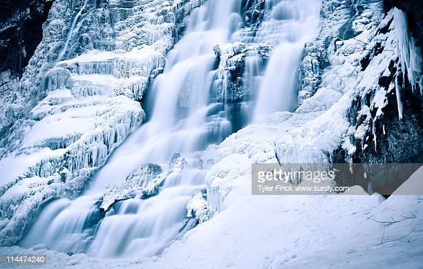 winter waterfall - sursly stock pictures, royalty-free photos & images