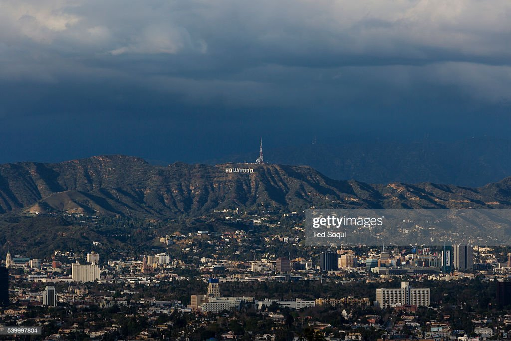 Winter winter in Los Angeles  Snow rain, and cool weather in the Los