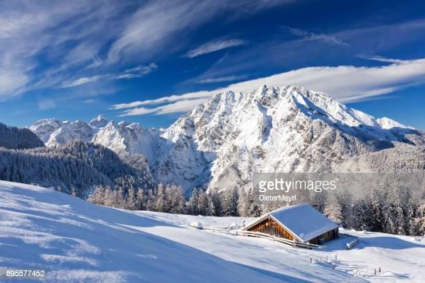 winter wonderland im watzmann land - nationalpark berchtesgaden - berchtesgaden stock photos and pictures