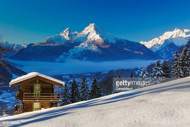 winter wonderland im watzmann land - shack stock pictures, royalty-free photos & images