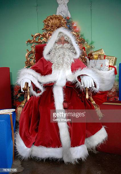 Father Christmas Images Free.World S Best Winter Wonderland Introduces Father Christmas