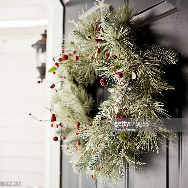 winter wreath - wreath stock pictures, royalty-free photos & images