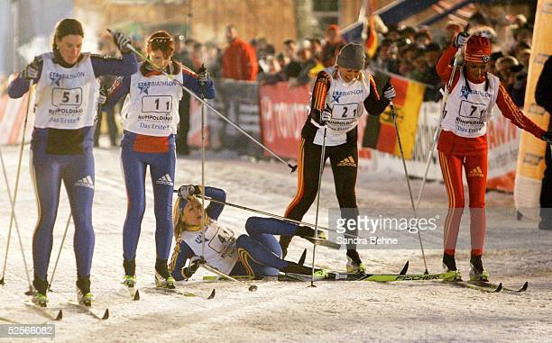 Wintersport / Biathlon Star Biathlon Ruhpolding vl Fussballerin Birgit PRINZ Moderatorin Monika LIERHAUS Schauspielerin Griseldis WENNER Moderatorin...