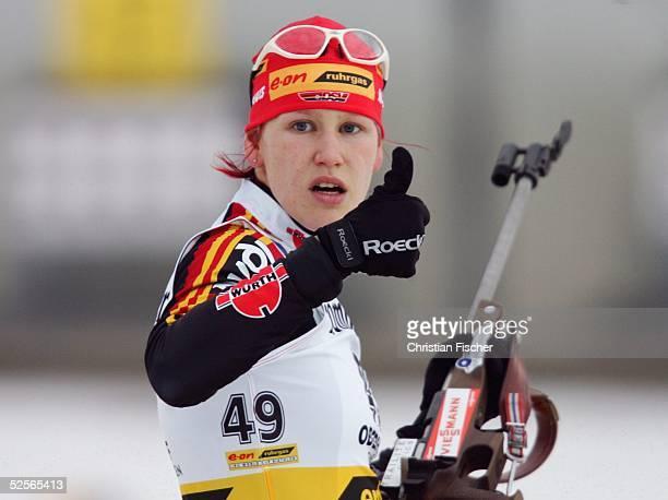 Wintersport / Biathlon: Weltcup 04/05, Oberhof; 7,5km Sprint / Frauen; Kati WILHELM / GER 08.01.05.