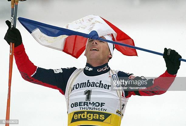 Wintersport / Biathlon WM 2004 Oberhof Massenstart / Maenner Raphael POIRRE / FRA gewinnt die Goldmedaille 150204