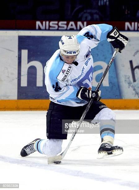Wintersport / Eishockey DEL 03/04 Hamburg Hamburg Freezers Iserlohn Roosters 43 Rene ROETHKE / Freezers 220204
