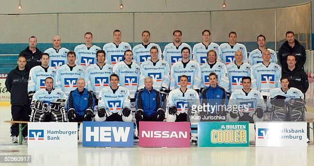 Wintersport / Eishockey DEL 04/05 Hamburg Hamburg Freezers / Fototermin Mannschaftsfoto 160804