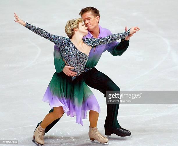 Wintersport / Eiskunstlauf WM 2004 Dortmund Pflichttanz Eistanz Alexandra KAUC und Michael ZYCH / POL 230304