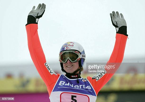 Wintersport / Ski Nordisch / Skispringen: Vierschanzentournee 03/04, Innsbruck; Thomas MORGENSTERN / AUT 04.01.04.